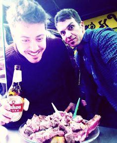 Si necesitas chuletón dale sigue bailando Mami no pares... MADRIZ   Ostras chuletón y Mahou... What else?  #friends #bro #chuleton #beer #lalatina #madrid #Madriz  #spain by ma_salcedo