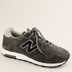 Unisex New Balance® for J.Crew 1400 sneakers (3 555 UAH) ❤ liked on Polyvore featuring shoes, men, grey, j crew, j crew shoes, grey shoes, suede shoes, gray suede shoes and rubber sole shoes