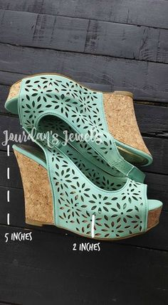How cute are these mint flower cut wedges!? Find them and more at Jourdan's Jewels.