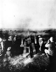 Zweiter Burenkrieg: In der Schlacht von Magersfontein an der Grenze der Kapkolonie zum Oranje-Freistaat besiegte am 11. Dezember 1899 burische Truppen die Briten.