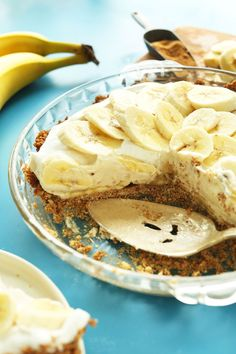 AMAZING Banana Cream Pie that's vegan and gluten free! 10 ingredients, creamy, SO delicious! from @minimalistbaker