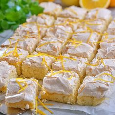Köstliche Desserts, Delicious Desserts, Dessert Recipes, Yummy Food, Basic Vanilla Cake Recipe, Homemade Vanilla Cake, Easy Cake Recipes, Baking Recipes, Different Cakes