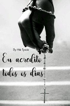*A vida é uma combinação de destino e livre-arbítrio. A chuva é o destino, a possibilidade de se molhar, ou não, é escolha sua.*