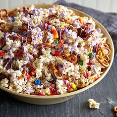 Popcorn's gone Halloween, with candy corn, pretzels, and spooky-colored almond bark! Appetizer Recipes, Snack Recipes, Snacks, Popcorn Recipes, Dessert Recipes, Microwave Popcorn Maker, Monster Munch, Pampered Chef Recipes, New Recipes
