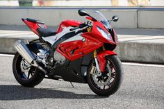 This is gonna be my liter bike....which means it has 1000cc...which means it's very fast, since you probably didn't know that