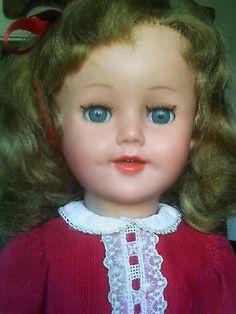 Dolls, Face, Dollhouse Toys, Antique Dolls, Baby Dolls, World, Doll, Faces, Facial