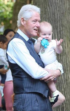 """""""What do you think of that Charlotte?"""" """"I don't know grandpa, what is it?"""" Bill Clinton and Charlotte"""