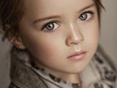 ロシアの美少女「クリスティーナ・ピメノヴァ」ちゃん(10)が子供とは思えないほどの美しさと、世界で話題になっている。