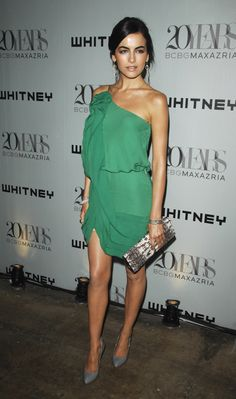 Camilla Belle attended the 2009 Whitney Contemporaries Art Party And Auction a cute Spring one-shouldered cocktail dress (Max Azria Resor. Green Tunic, Green Dress, Camila Belle, Ripped Girls, Cute Dresses, Summer Dresses, Resort Dresses, Glamour, Celebrity Look