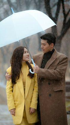 "Son Ye-jin & Hyun Bin - ""Crash Landing on You"" (愛的迫降, 사랑의 불시착) Korean Drama Best, Korean Drama Movies, Korean Actors, Hyun Bin, Korean Couple, After Life, Korean Star, Kdrama Actors, Clowns"