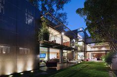 grupo-arquitectura-casa-basaltica-house-mexico-city-designboom-02
