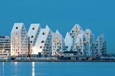 JDS/JULIEN DE SMEDT ARCHITECTS, CEBRA, SeARCH, Louis Paillard, Mikkel Frost / CEBRA · Iceberg dwellings