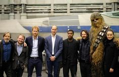 Prince Harry and The Duke of Cambridge visited Pinewood Studios and the sets of 'Star Wars: Episode VII'. The royalty was impressed. Star Wars I, Film Star Wars, Star Wars Cast, Mark Hamill, Chewbacca, Prince Harry Of Wales, Prince William And Harry, Duke William, Daisy Ridley