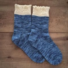 """Dami Hunter on Instagram: """"How adorable are these Reynard socks designed by @throughtheloops?!? And how lucky am I to have amazing sample knitters like @knitteronbbi ?!? #magpiefibers #magpieswishdomestic #reynardsocks"""""""