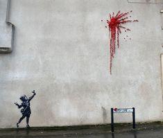 New Valentine's Day street art in style of Banksy appears in Bristol Arte Banksy, Banksy Mural, Bansky, Graffiti, Banksy Work, Heart Balloons, Street Artists, Art Design, Red Flowers