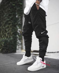 Men's Cargo Pants Men's cargo pants; the latest trend of the year. This camo cargo pants feature different pockets and comfortable fit. Camouflage Cargo Pants, Cargo Pants Men, Mens Cargo, Perfect Outfit, Urban Fashion, Mens Fashion, Cheap Fashion, Daily Fashion, Street Fashion