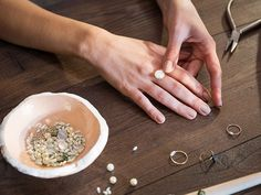 DIY-Anleitung: Ring aus einer Perle und Schmuckdraht selber herstellen via DaWanda.com