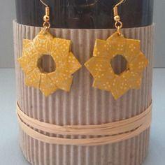 Boucles d'oreille étoile jaune et doré en origami de papier japonais