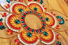 Special Diwali floor Decoration Ideas to make your diwali 2016 wonderful. These classic Diwali Decor Ideas include floor decoration Diwali Home Decor Diwali Red And White Wedding Decorations, Red And White Weddings, Diwali Decorations, Handmade Decorations, Table Decorations, Indian Festival Of Lights, Rangoli Colours, Diwali Rangoli, Diwali Craft