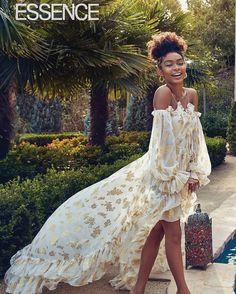 Yara Shahidi, Essence Magazine Black Girls Rock, Black Girl Magic, Beautiful Black Women, Beautiful People, Look Fashion, Fashion Outfits, Pinterest Fashion, Celebrity Look, Poses