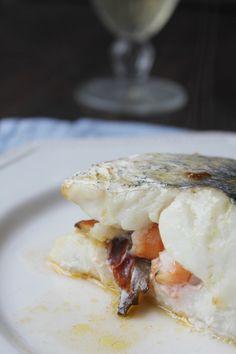 Merluza rellena de setas, jamón y langostinos,  receta