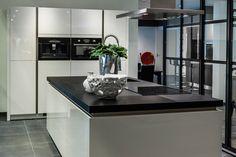 Keuken met kookeiland!   DB Keukens