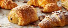 Cheese croissants - Chff Anna Olson- Prog El gourmet http://elgourmet.com/receta/cheese-croissants