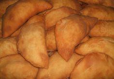 Eccoli! Che buoni i panzerotti! http://pugliamonamour.it/panzerotti-fritti-con-pomodoro-e-mozzarella/