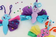 Tissue Paper Butterfly Craft is part of Quick Kids Crafts Tissue Paper Simple tissue paper butterfly craft for kids - Paper Butterfly Crafts, Tissue Paper Crafts, Paper Butterflies, Christmas Crafts For Kids, Diy Crafts For Kids, Craft Ideas, Kids Diy, Diy Ideas, Craft Activities