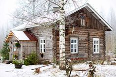 Kouzelný srub ve Finsku Cute Cottage, Red Cottage, Cabin Homes, Log Homes, Cosy House, Small Cottages, Minimalist Home Decor, Sims House, Cozy Cabin