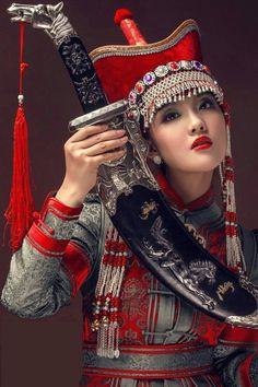 Chinese queen also looking cute and gorgeous actuallyi want to say this chinese girls also stylist. Traditional Fashion, Traditional Dresses, Ethnic Fashion, Asian Fashion, Beautiful Asian Women, Beautiful People, Gorgeous Girl, 3d Foto, Beauty Around The World