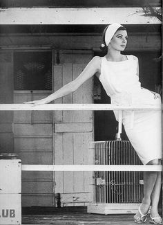 Suzy Parker photographed by Henry Clarke in 1963 for Dorville from :villainouslyvintage.wordpress.com