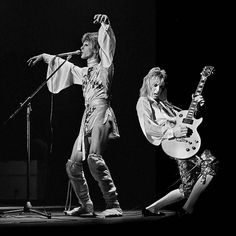 David Bowie and Mick Ronson Photo by Chalkie Davis