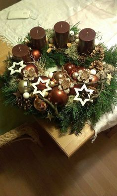 Christmas is just a few days away now, how about these Christmas candles decortion and Ideas for you. Christmas Advent Wreath, Christmas Candle Decorations, Advent Candles, Christmas Arrangements, Christmas Candles, Winter Christmas, Christmas Time, Christmas Crafts, Advent Wreaths