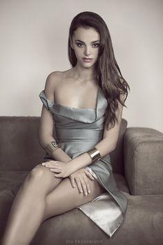 Izabela Komjati Goldie Collection