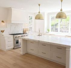 White Kitchen Ideas - White never stops working to give a kitchen layout a classic look. These elegant kitchen areas, consisting of every little thing from white kitchen cupboards to smooth white . Luxury Kitchens, Cool Kitchens, Modern Kitchens, Kitchens With Wood Floors, White Wood Kitchens, Tuscan Kitchens, Galley Kitchens, Traditional Kitchens, Contemporary Kitchens