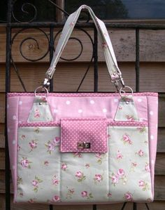 The Stow-It-All Bag Sewing Pattern from Chris W Designs - My New Tote! - sew-whats-new.com: