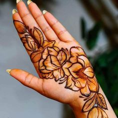 50 Most beautiful Indore Mehndi Design (Indore Henna Design) that you can apply on your Beautiful Hands and Body in daily life. Pretty Henna Designs, Wedding Henna Designs, Floral Henna Designs, Mehndi Designs Book, Indian Mehndi Designs, Mehndi Designs 2018, Mehndi Designs For Girls, Mehndi Designs For Beginners, Modern Mehndi Designs