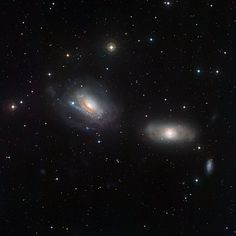 Image of interacting galaxies