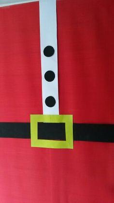No caigas en la mon tona puerta forrada de papel de regalo for Papel para forrar puertas