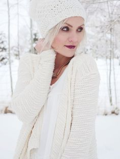 White one white on white layers—pretty much can't go wrong, plus the knit sweater is so wintery and cozy.
