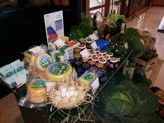 Um mini mercado de produtos açorianos é uma das várias surpresas que poderá encontrar na Bensaude Hotels a partir de hoje, até ao dia 25. Teremos também sopas tradicionais do Espírito Santo e menus especiais :)