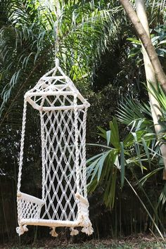 macrame chair - don't know if it is just a photo,  or if there is a tutorial as well. Personally, I would need to lose pounds, and gain confidence, to be able to sit in that thing...