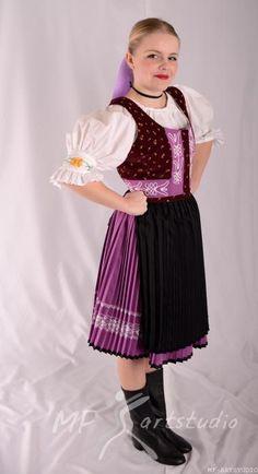 Slovakia, zemplínsky kroj Ballet Skirt, European Countries, Costumes, Embroidery, Czech Republic, Skirts, Fashion, Moda, Skirt