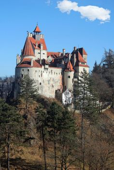 Discover the Beauty and Mystery of Romania's Castles: Dracula's Bran Castle