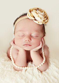 I have never seen anyone use pearls like this.. looks cute. Trying it!
