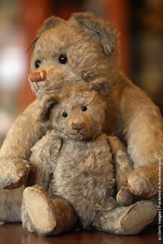 Two teddy bears from the 1920s.