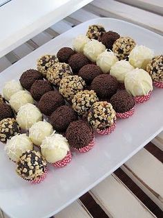 15 Amazing Chocolate Truffle Recipes To Make! - White chocolate and coconut truffles - Just Desserts, Delicious Desserts, Dessert Recipes, Yummy Food, Frosting Recipes, Healthy Food, Cake Truffles, Cupcakes, Coconut Truffles