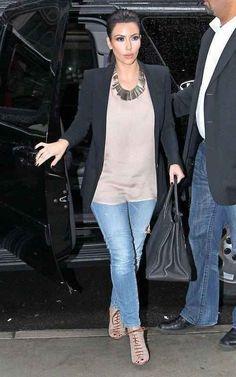 Kim Kardashian  Good fall outfit!