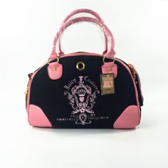 Luxury Pet Carrier Doggy Purse Travel Bag For Pink Or Black. Type:DogsBrand Name:petoodStyle:SportMaterial:VelvetFeature:BreathableSeason:All SeasonsFitable Weight:10 poundsItem Type:SlingsApplicable Dog Breed:UniversalPattern:Solidcolor:Pink,blackSizes:MMaterial:Nylon,MeshLining:PolyesterClosed:ZipLength:42cmHeight:30cmWidth:20cmfor animals:carrying animalsluxury pet:bag-carrying
